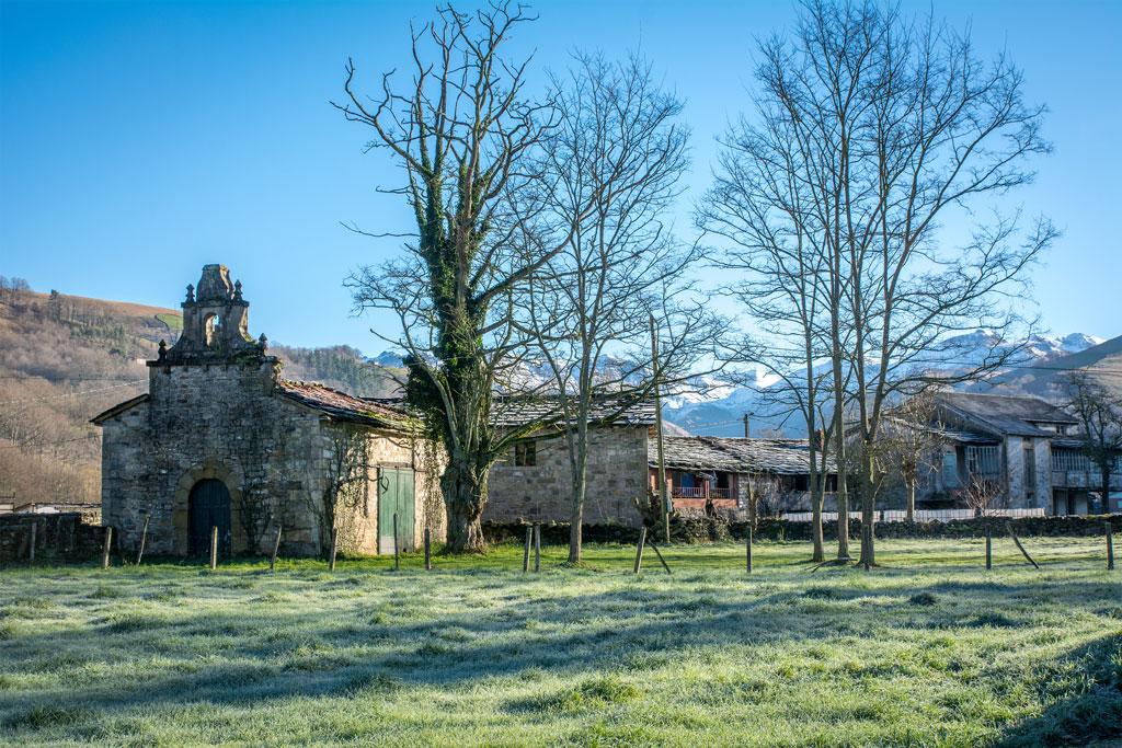 Ermita Vega de Pas Cantabria